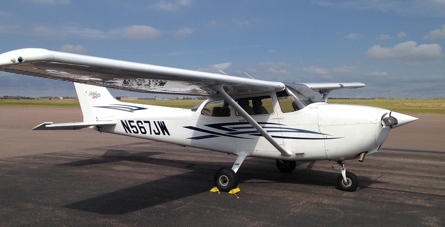1999 Cessna 172SP N567JW::Rental Rate per hour $ 140 (cash) / $ 145 (credit)